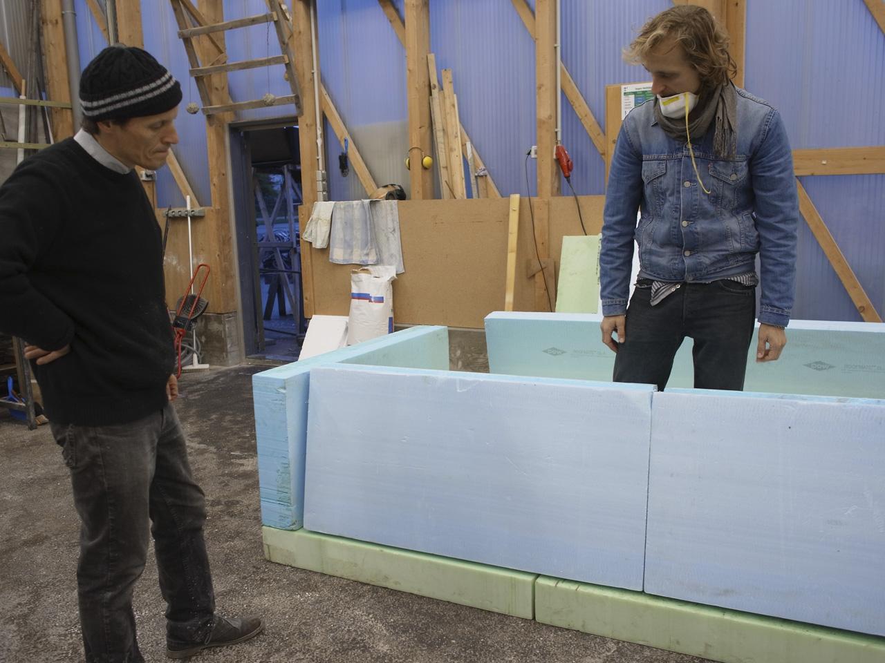 size does matter gro skulpturen aus styropor klasse vetter hfk bremen. Black Bedroom Furniture Sets. Home Design Ideas